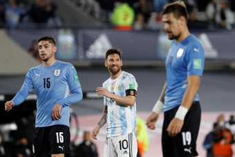 Première fois qu'un Argentine-Uruguay se termine sans cartons. EFE