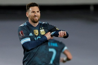 Lionel Messi râle contre l'arbitrage face au Pérou. afp