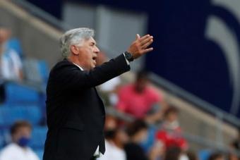 Ancelotti e uma fase complicada no comando do Real Madrid. EFE/Alberto Estévez