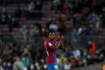 Ansu Fati renovó con el Barcelona hasta 2027. EFE