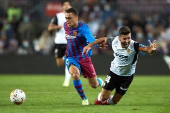 Dest actuó de extremo ante el Valencia. EFE
