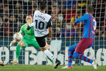 Soler también se quejó del árbitro. EFE/Alejandro García