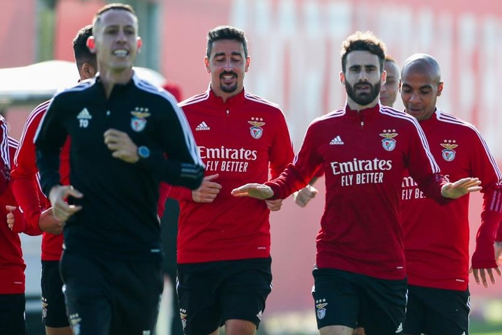 Davies e Goretzka não estarão frente ao Benfica.EFE
