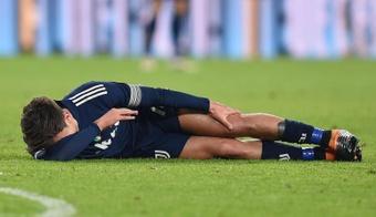 Dybala continua 'k.o.' e sem treinar com o grupo. AFP