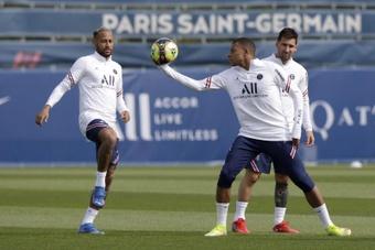 Los futbolistas del Paris Saint Germain Neymar Jr, Kylian Mbappé y Lionel Messi. EFE