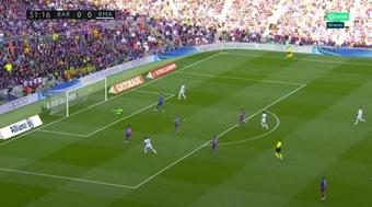 Real Madrid abre o placar com um chutaço de Alaba. Captura/MovistarLaLiga