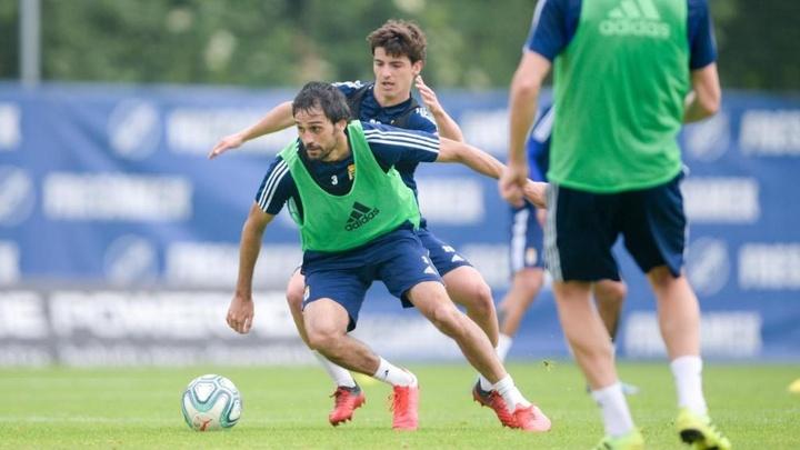 Alejandro Arribas, en un entrenamiento con el Oviedo en la temporada 19-20. EFE