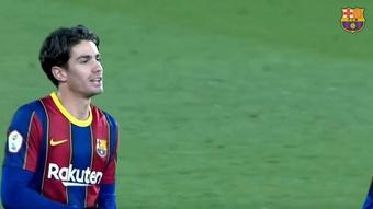 O Barça deixa Collado sem número no elenco principal e no filial. Captura/BarçaTV