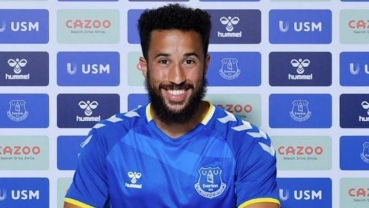 Officiel : Andros Townsend rejoint Everton. EvertonFC