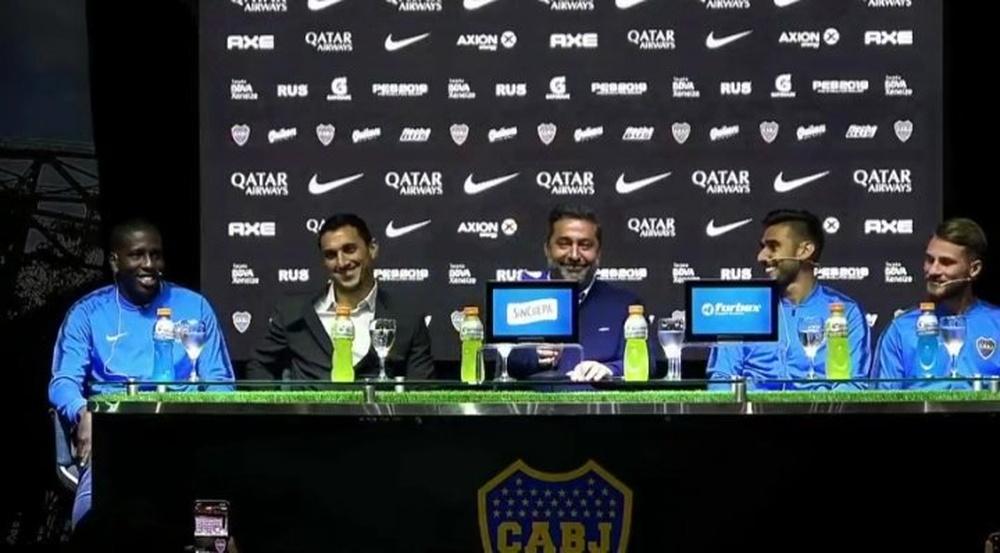 Angelici y Burdisso presidieron la presentación de las nuevas incorporaciones. Captura/FOXSports