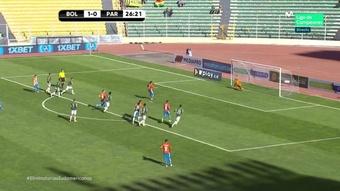 Sanabria falló un penalti en el 27' del Bolivia-Paraguay. Captura/MovistarLigadeCampeones