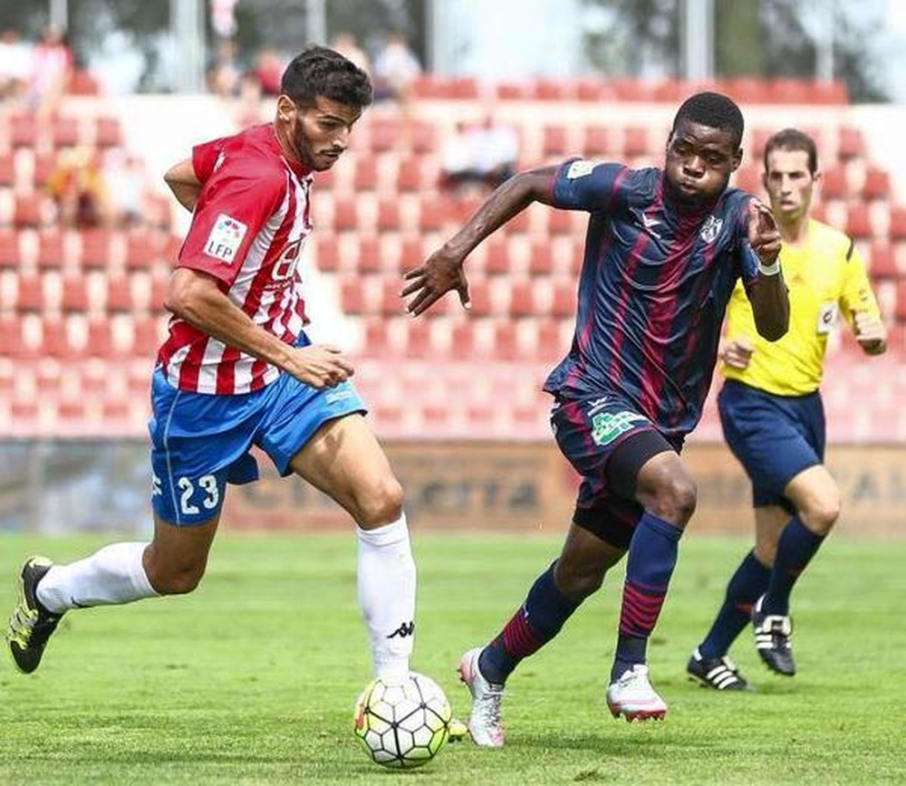 Bambock podría salir del Huesca tras no conseguir el ascenso. Twitter