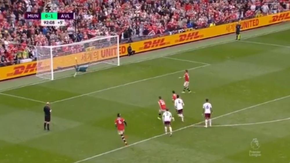 Bruno Fernandes missed a penalty in Man Utd's loss to Aston Villa. Screenshot/DAZN