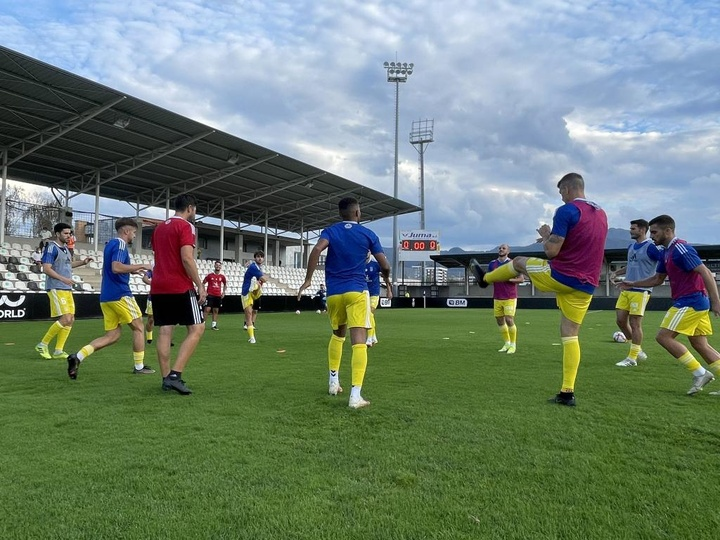 El Badajoz venció en su visita al Real Unión de Irún. Twitter/CDBadajoz