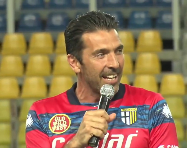 Buffon volvió a jugar con el Parma desde 2001. Twitter/1913parmacalcio