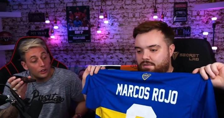Ibai recibió la camiseta de Marcos Rojo. Twitch/ibai