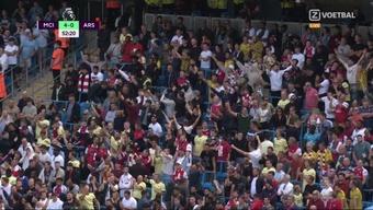 Arsenal fans celebrated Man City's fourth goal. Screenshot/ZVoetbal