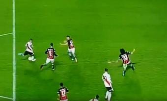 Quintero anotó un golazo ante San Lorenzo. Captura