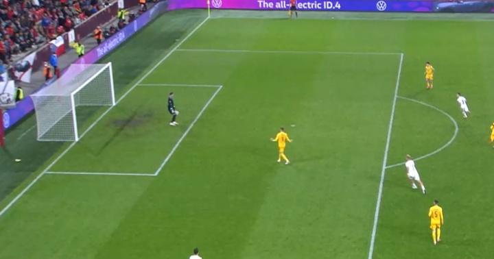 Cómico autogol de Gales. Captura/UEFATV