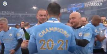 Así celebró el City el campeonato. DUGOUT