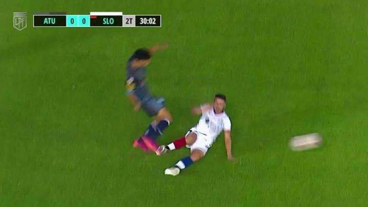 La efímera participación de Julián Palacios: ¡duró cuatro minutos en el campo! Captura/FOXSports