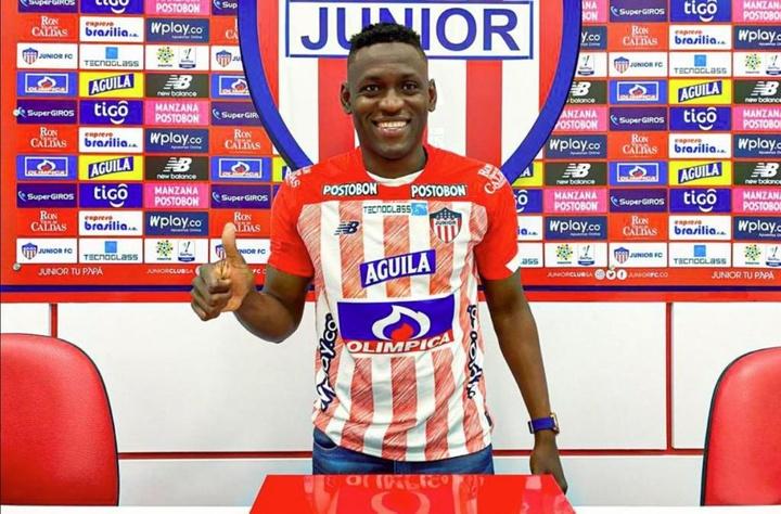 El delantero de 33 años llega procedente de Liga de Quito. Twitter/ClubJuniorFC