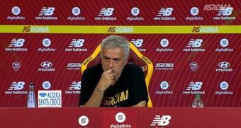 Mourinho en grande forme en conférence de presse. Capture Twitter/ASRoma