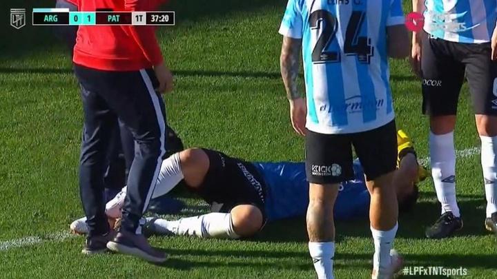 Terrible: Lucas Chávez se fracturó el tobillo y estará entre 4 y 6 meses de baja. Captura/TNTSports