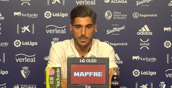 Nacho Vidal, feliz por su renovación. Twitter/CAOsasuna