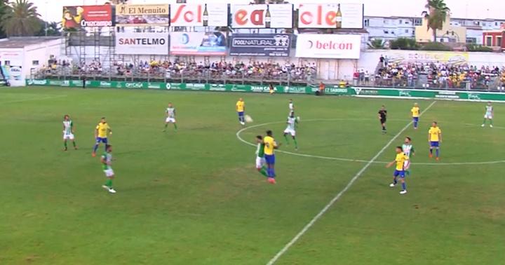 El Atlético Sanluqueño saca oro de Castalia. Captura/CadizTV