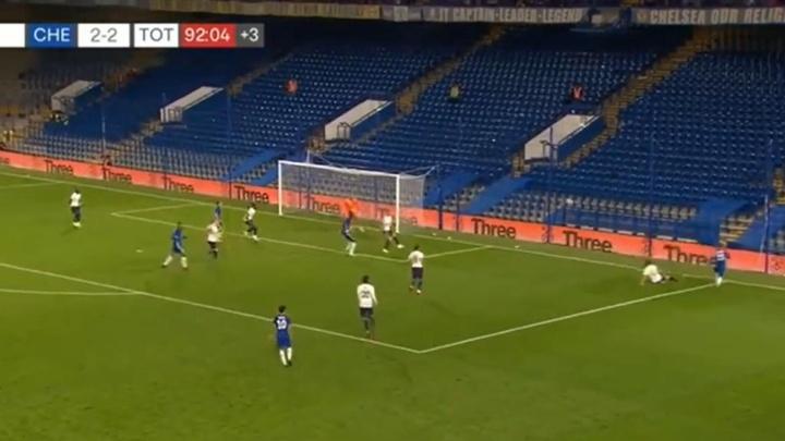 El Chelsea y el Tottenham empataron a dos. Captura/SpursTV