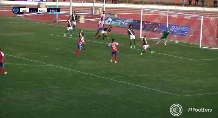Un gol en el 94' aleja de la cabeza a un Mérida con uno más. Captura/Footters