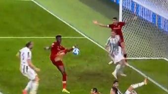 La Roma falló un penalti ¡que se le pitó cuando había marcado gol! Captura/MovistarLigadeCampeones