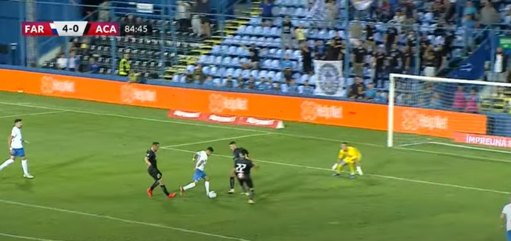 La gran apuesta de Hagi se estrenó como goleador. Captura/FotbalRomania