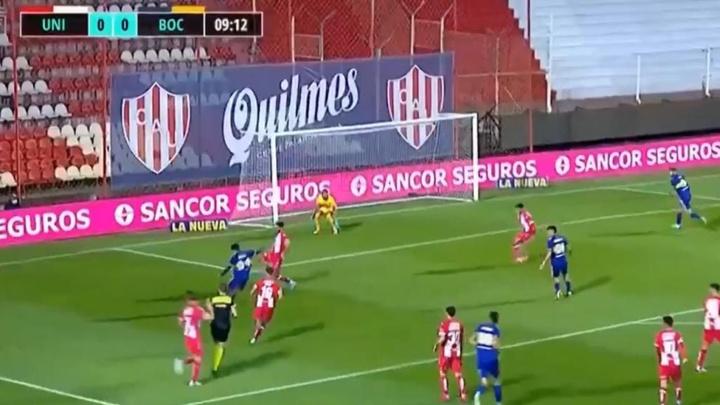 Obando marcó el primer gol de la competición con un buen zurdazo. Twitter/TNTSportsAR