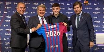 Pedri renovó hasta 2026 con el Barcelona. Captura/BarçaTV