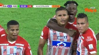 Larry Vásquez reina en la locura de Barranquilla y acerca a Junior a 1/4. Captura/WinSports