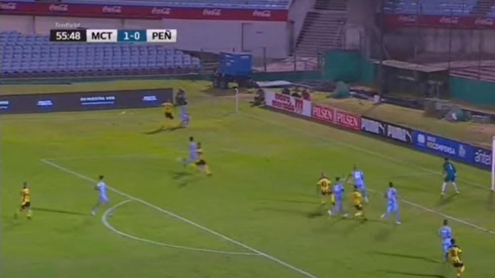 Peñarol se hace fuerte y remonta ante Montevideo Torque. Captura/VTV
