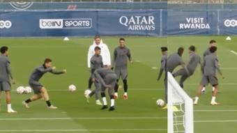 Ander le tiró un caño a Neymar ¡y le respondió con una patada! Captura/PSG_Inside