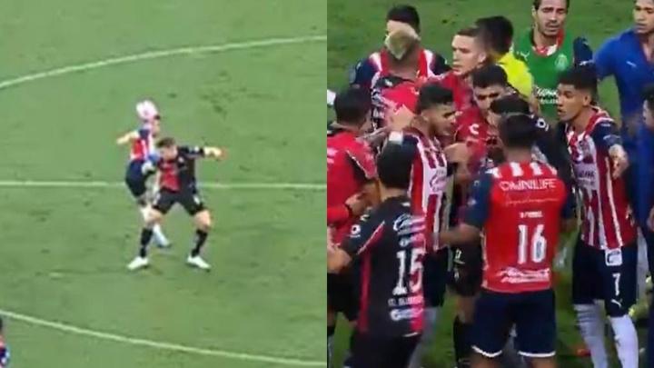 ¡Chivas jugó con nueve desde el 28' por las expulsiones de Mier y Calderón! Captura/TUDN