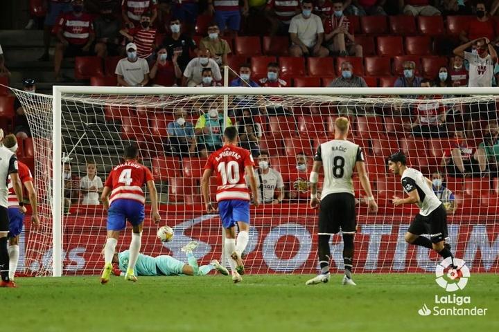 El Valencia empató 'in extremis' ante el Granada. LaLiga