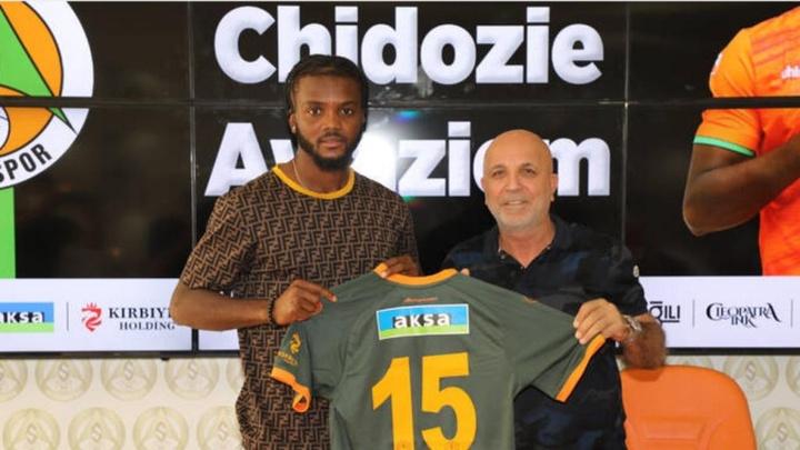 Chidozie Awaziem jugará hasta final de temporada en Turquía. Captura/Alanyaspor