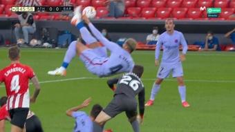 Araujo had a goal controversially disallowed against Barcelona. Screenshot/Movistar