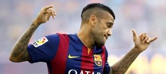 Dani Alves, dispuesto a jugar con el Barça... ¡a precio 'low cost'! EFE