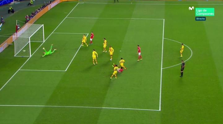 Benfica abriu o placar com 3 minutos de jogo. Captura/MovistarLigadeCampeones