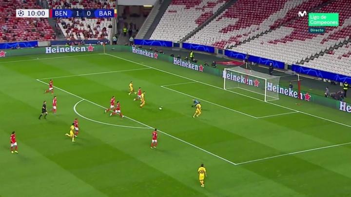 Le gros raté de Luuk de Jong contre Benfica. Capture/MovistarLigadeCampeones