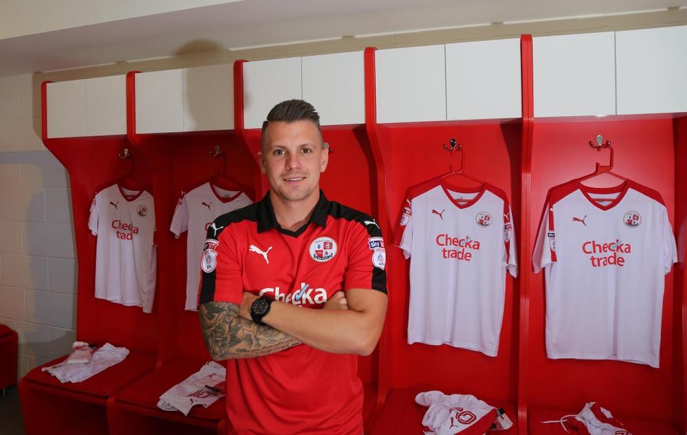 Dean Cox, en su presentación como nuevo jugador del Crawley Town. CrawleyTown