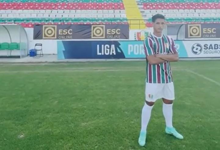 Diogo Salomao jugará en el equipo de su ciudad natal. Facebook/EstrelaDaAmadora