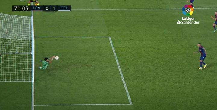 Dituro lleva tres penaltis parados en apenas un mes en el Celta de Vigo. Captura/LaLiga