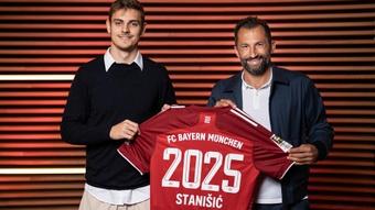 Josip Stanisic llegó a las categorías inferiores del Bayern en el curso 2017-18. Twitter/FCBayernES